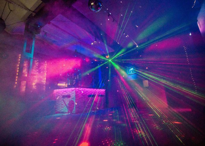 Клуб в москве дискотеку французский бульдог клуб любителей в москве